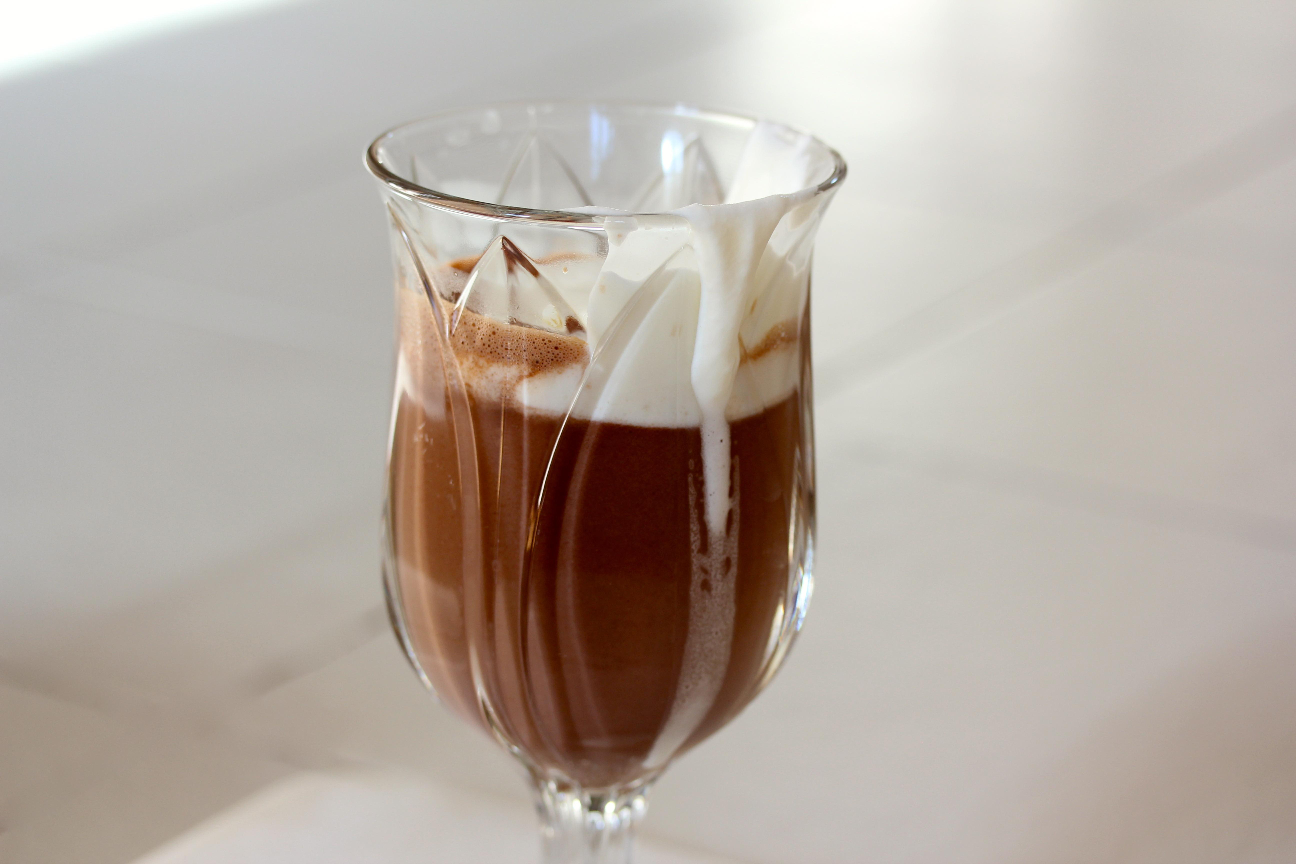 Le chocolat chaud {with a twist} - Saffron and Honey