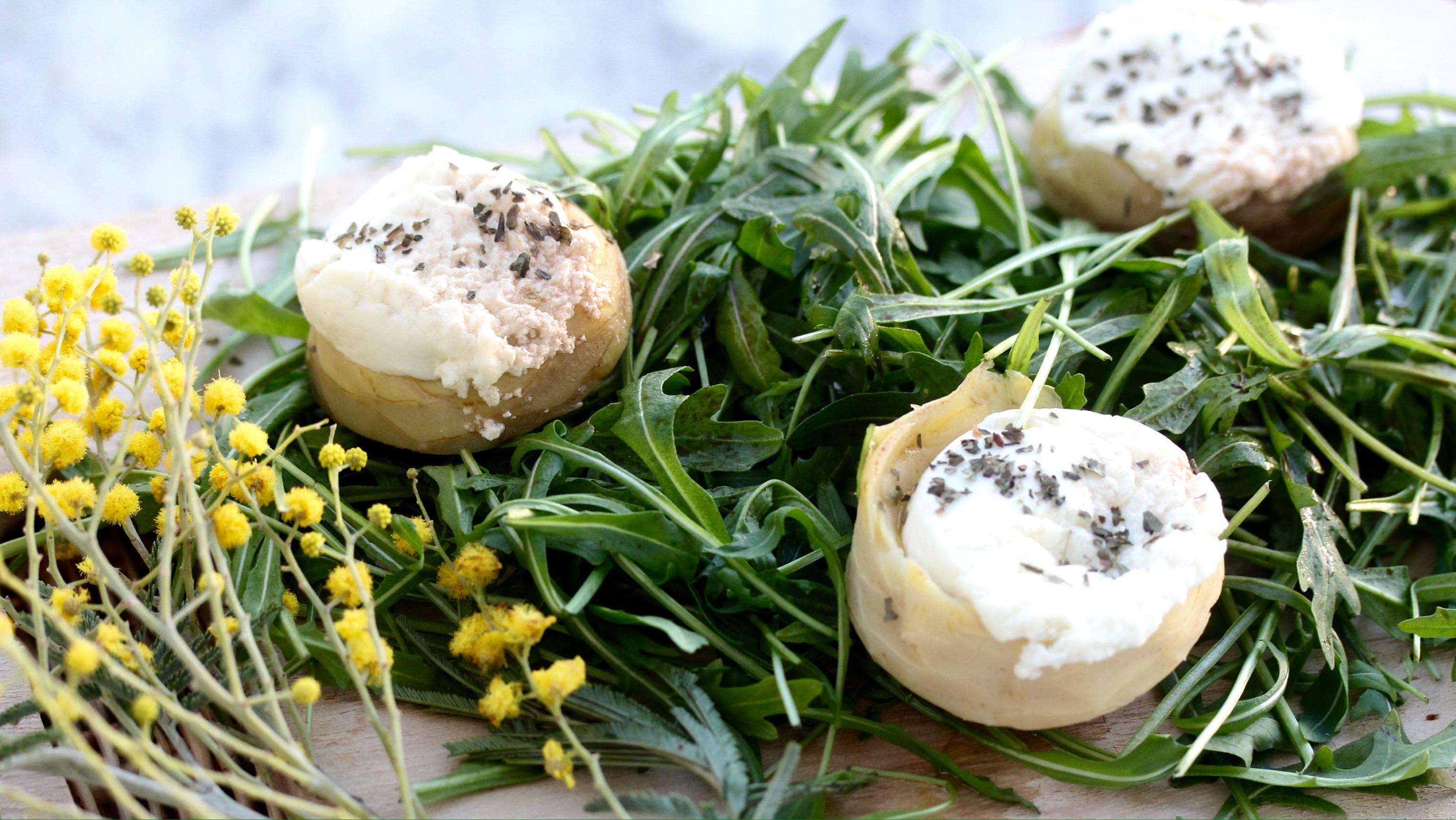 Artichoke goat cheese salad